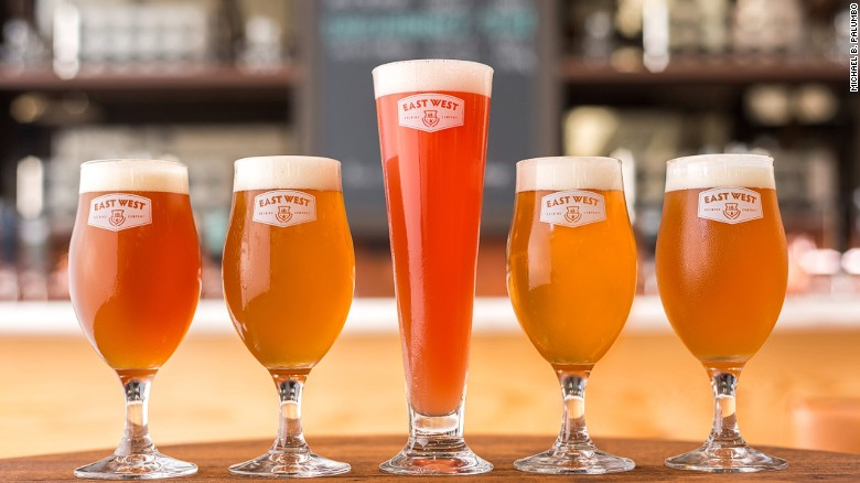 Craft beer - bia thủ công vị sả, ớt, chanh leo củ dền chỉ có ở Việt Nam